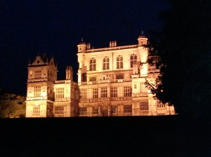 annedegruchy.co.uk image: Floodlit Wollaton Hall