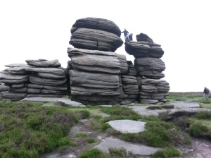 annedegruchy.co.uk image: Gritstone rocks at Derwent Edge