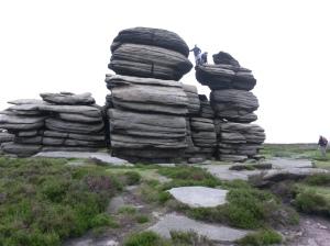 annedegruchy.co.uk image: Gritstone rocks at Derwent Edge