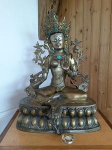 annedegruchy.co.uk image: shrine to Green Tara